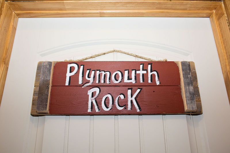 Room Plymouth Rock 1