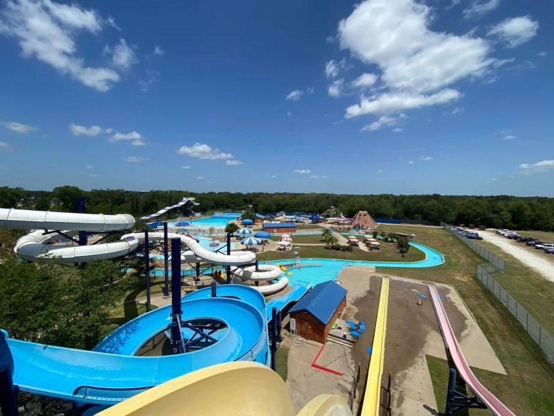 Splash Kingdom & Cabin Package at the Silver Spur Resort